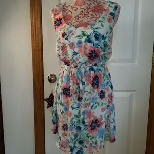 Adorable spring floral dress small rue 21